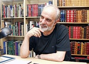 Aydin Aghdashloo - Aghdashloo in 2004