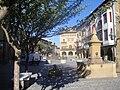 Ayuntamiento y plaza de Olite.JPG