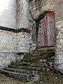 Béthisy-Saint-Pierre (60), chambrerie, porte à côté de l'église 03.03.2013.jpg