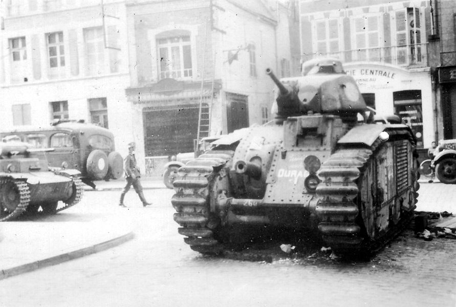 French B1 bis tank s/n 260 Ouragan, of 8e BCC, after its captured by German forces in 1940.