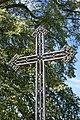 Bad Rappenau - Bonfeld - Friedhof - Grabmal Karl Philipp von Gemmingen-Guttenberg - Detail Kreuz.JPG