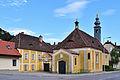 Baden - Filialkirche hl Helena mit Pfarrhof.jpg