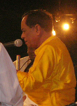 Balamuralikrishna performs in 2005 Balamurali-close-up.jpg