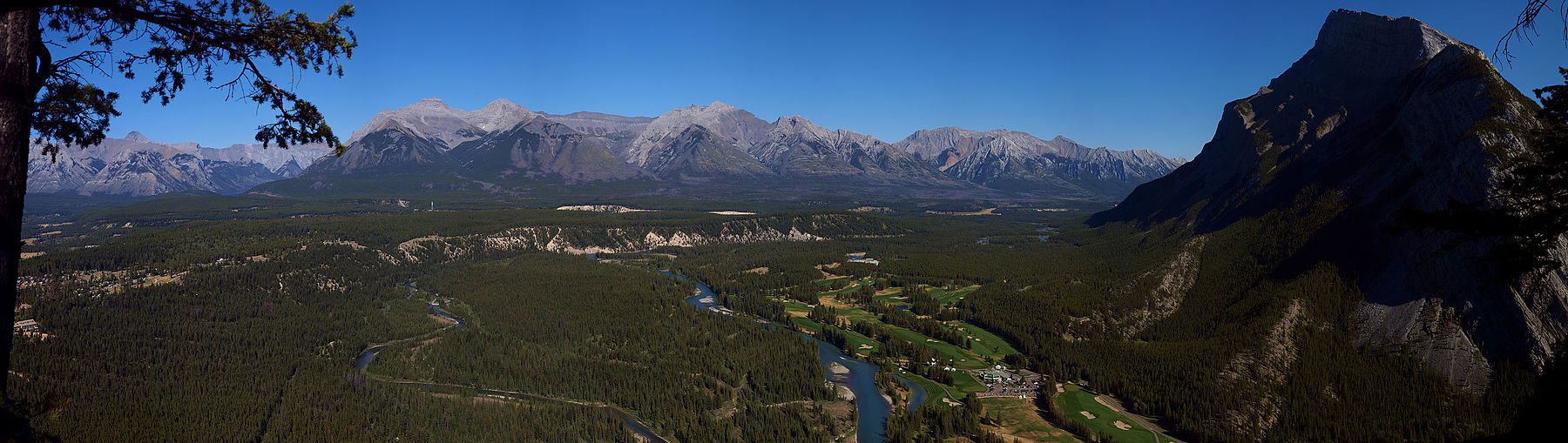 Banff National Park - Mount Rundle Panorama - 100 MEGAPixel (6093891258) (2).jpg