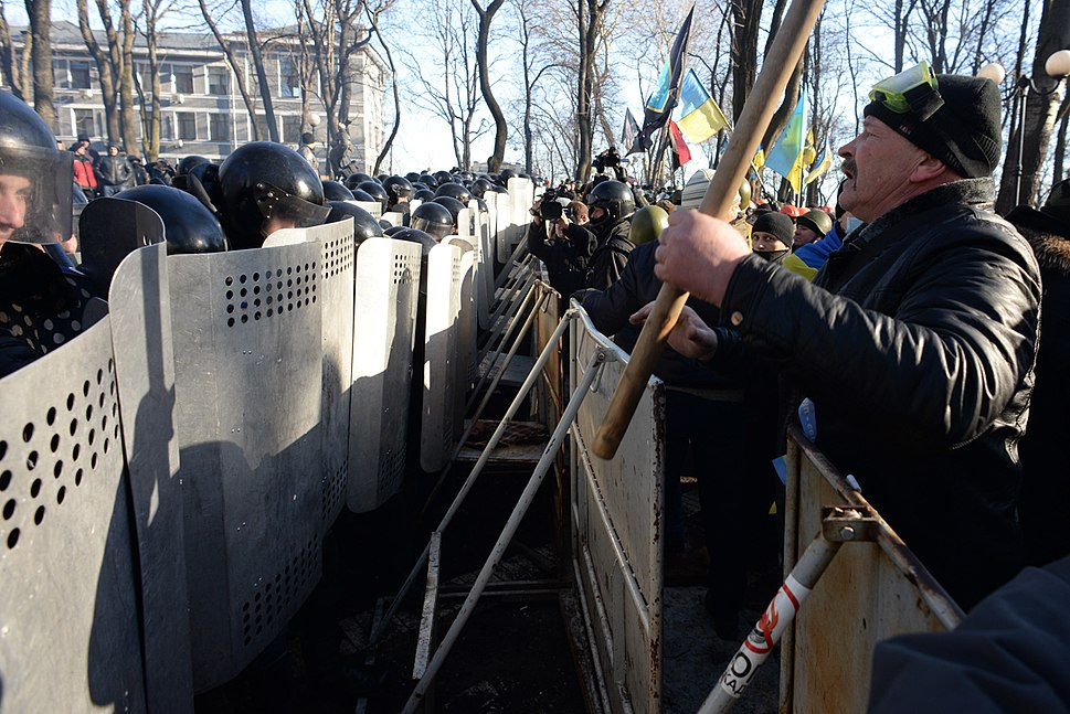 Barricade line separating interior troops and protesters. Clashes in Kyiv, Ukraine. Events of February 18, 2014-2