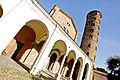 Basilica di Sant'Apollinare Nuovo prospettiva.jpg