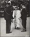 Bezoek van koningin Wilhelmina aan het verwoeste Arnhem en en het Militair Tehui, Bestanddeelnr 014-0940.jpg