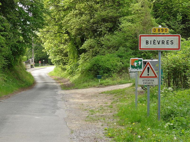 Bièvres (Aisne) city limit sign
