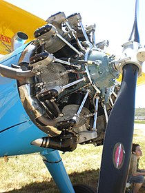 Blue Boeing-Stearman PT-18 engine.jpg