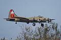 Boeing B-17G-85-DL Flying Fortress Nine-O-Nine Landing Approach 09 CFatKAM 09Feb2011 (14797243469) (2).jpg