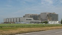 Bradwell nuclear power station, from south-west.jpg