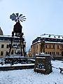 Brand Erbisdorf Marktplatz Ortspyramide.jpg