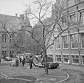 Brand in Tropenmuseum, gedeelte van dak werd verwoest, Bestanddeelnr 917-5560.jpg