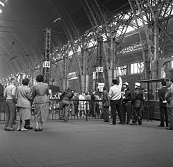 Soubor:Bundesarchiv Bild 183-1988-0121-323, Dresden