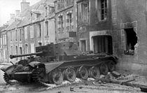 Bundesarchiv Bild 101I-738-0276-25A, Villers-Bocage, zerstörter Cromwell-Panzer.jpg