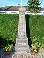 Bury (60), monument aux morts, à droite de la mairie.jpg