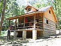Cabin at Beck's Mill - panoramio.jpg