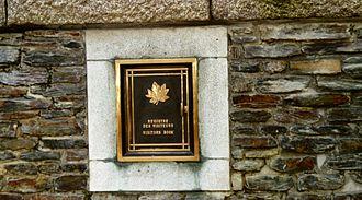 Hill 62 Memorial - Hill 62 Memorial Visitor's Book Cabinet