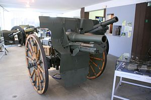 Canon de 105 court mle 1935 B - In the Draguignan artillery museum