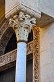 Capitello Duomo di Modena, e scorcio Porta dei Principi.jpg