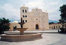Cathedral Comayagua Honduras.jpg