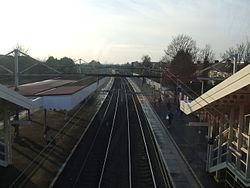 Chadwell Heath stn slow platforms high westbound 2013.JPG