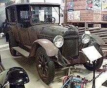 1918 limousine