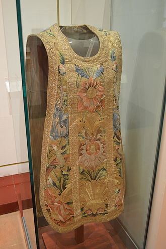 Chasuble - Eighteenth-century chasuble from Mexico on display at the Museum of Fine Arts in Toluca
