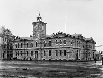 Chief Post Office, Christchurch - Chief Post Office prior to the 1907 extension, still with two symmetrical façades