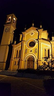 Visione notturna della parrocchiale di San Gregorio Magno