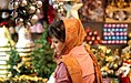 Christmas 2006 in shops of Tehran (13 8510030569 L600).jpg