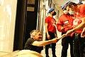 City Angels aiutano senzatetto che dorme per strada a Milano.jpg