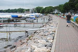 Clear Lake (Iowa) - Waterfront walkway in Clear Lake.