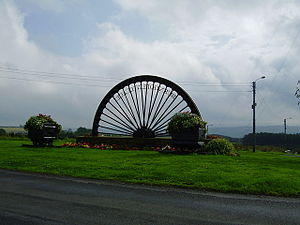 Burnhope - Image: Coal Chauldrons and pit wheel sculpture at Burnhope