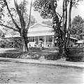 Collectie NMvWereldculturen, TM-10016850, Repronegatief- 'Directeurswoning bij de vroegere kweekschool te Fort de Kock.', fotograaf onbekend, 1900-1940.jpg