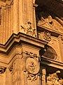 Columna con angel de la catedral.jpg