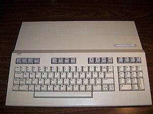 Bil Herd - Image: Commodore 128 002