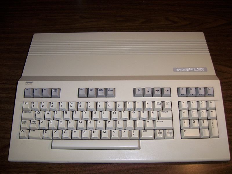 Commodore 128 (Wikipedia)