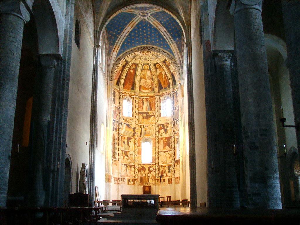 File como basilica di sant 39 abbondio cortile interno 02 for Interno help