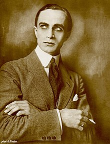 Conrad Veidt by Binder.jpg