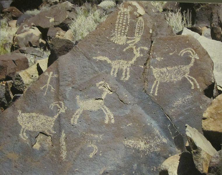 File:Coso petroglyphs (1).JPG