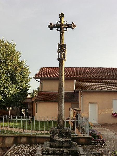 Croix de Rignieux-le-Franc.