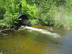 Culvert - Steel culvert with a plunge pool below