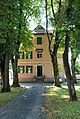 Czerweny-Haus Zugangsallee2.jpg