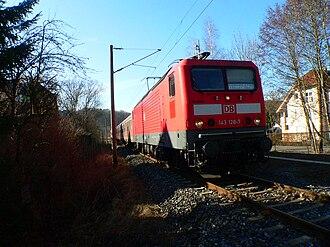 Coburg–Sonneberg railway - Train hauled by 143-128 at Coburg–Kalenderweg level crossing in 2008