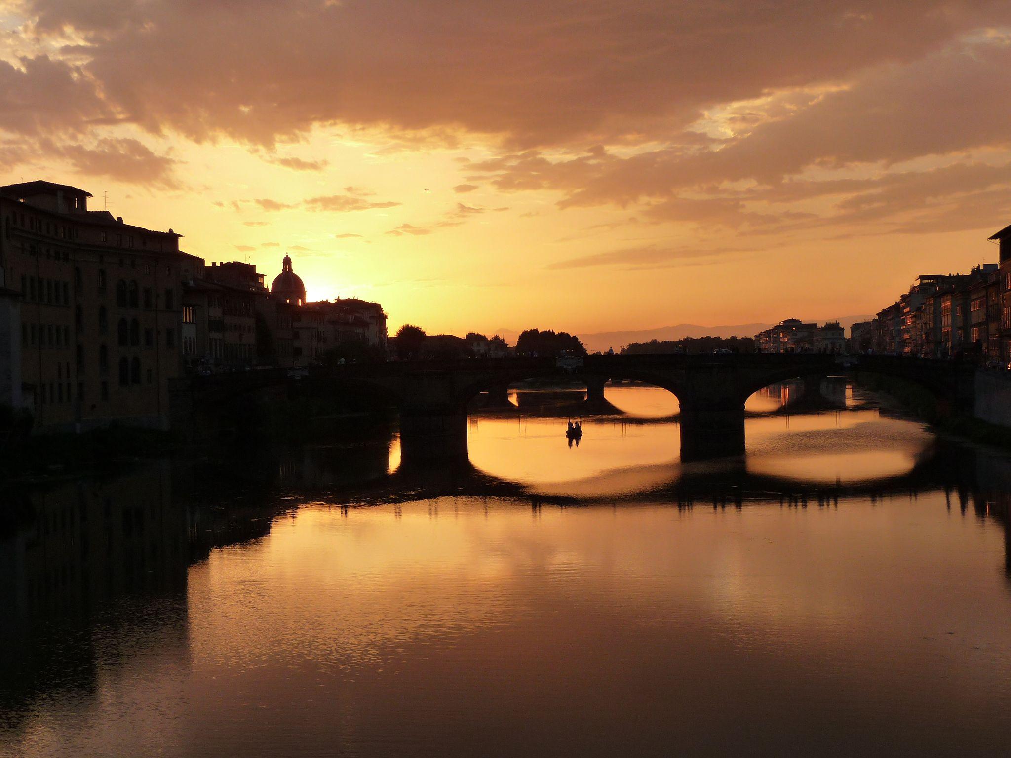 Vista dal Ponte Vecchio, Ponte Santa Trinita e la chiesa di San Frediano in Cestello