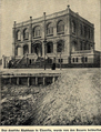 Das deutsche Klubhaus in Tientsin wurde von den Boxern beschossen.png