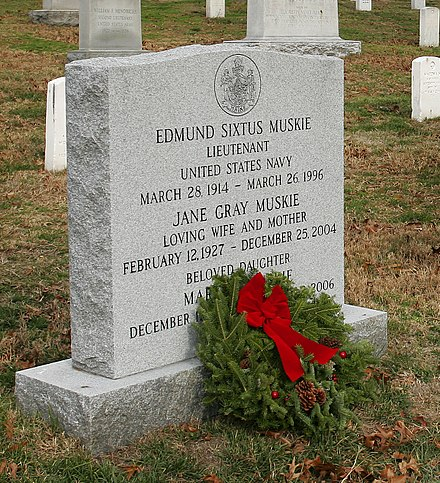 Muskie's gravestone at the Arlington National Cemetery, 2007 Defense.gov photo essay 071215-D-0653H-571 (cropped).jpg
