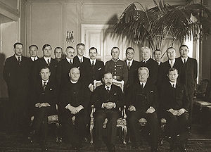 Antanas Smetona - Smetona (center) with ministers