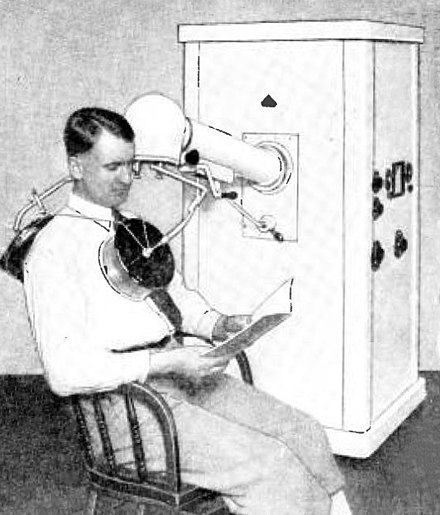 Shortwave diathermy machine, 1933 Diathermy machine 1933.jpg